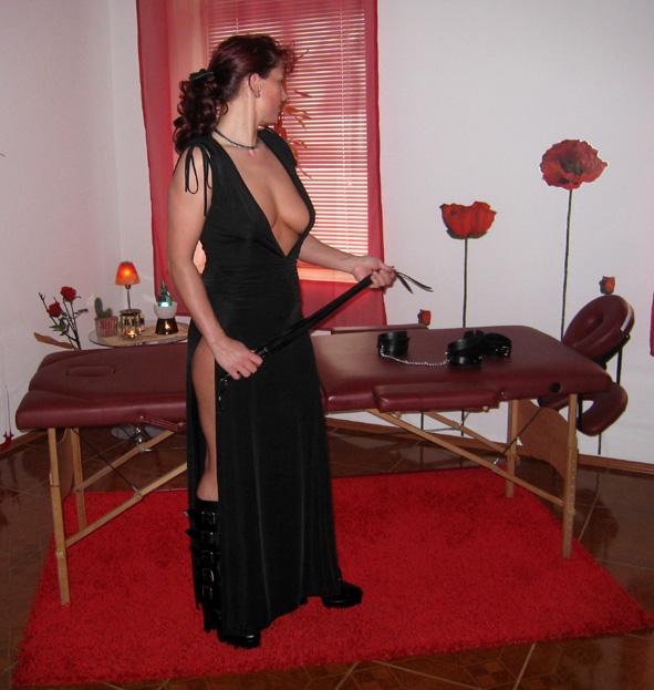 Dominante Massage mit Manuela